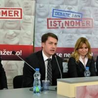 Debata Istinomera u Novom Sadu (na slici još: B. Ilić, A. Jerkov, Đ. Stojšić)